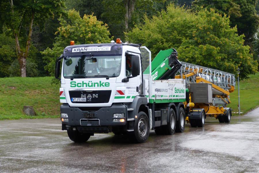 Potain IGO 30 von Schünke Kranservice Anlieferung und Montage in ...